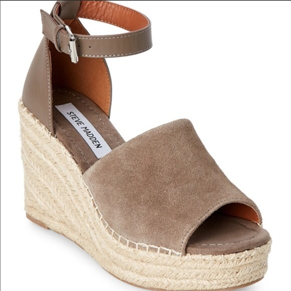 f40cb6ae028 Steve Madden Espadrille Wedges in Taupe, Size 9